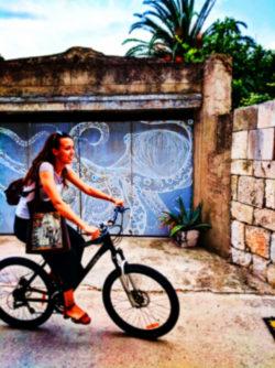 Octopus street art in Vis Croatia 1b