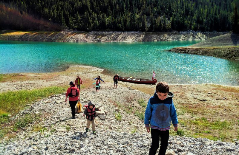 Taylor-Family-canoeing-with-Kananaskis-Outfitters-Canmore-Alberta-4-e1536447934621.jpg