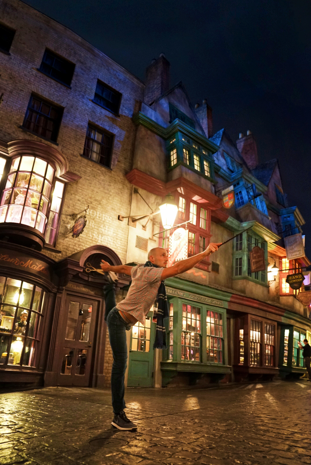 Rob Taylor in Diagon Alley Wizarding World of Harry Potter Universal Studios Florida 1