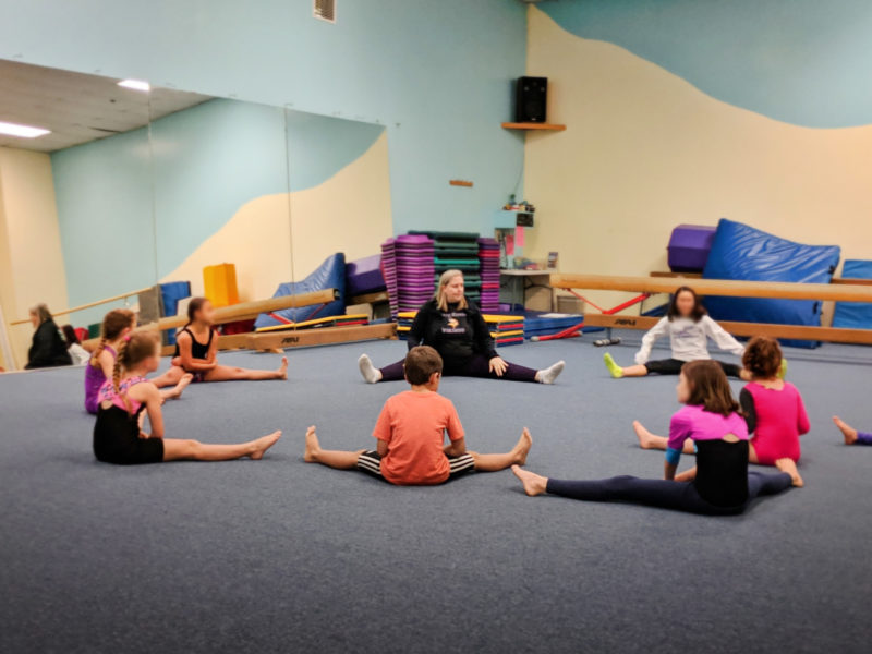 Taylor Family doing gymnastics and yoga in Poulsbo 1