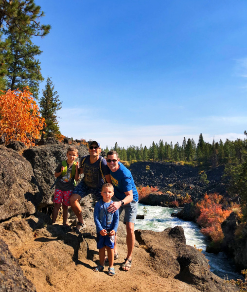 Taylor Family with Fall Colors on Deschutes River at Dillon Falls Deschutes National Forest Bend 10