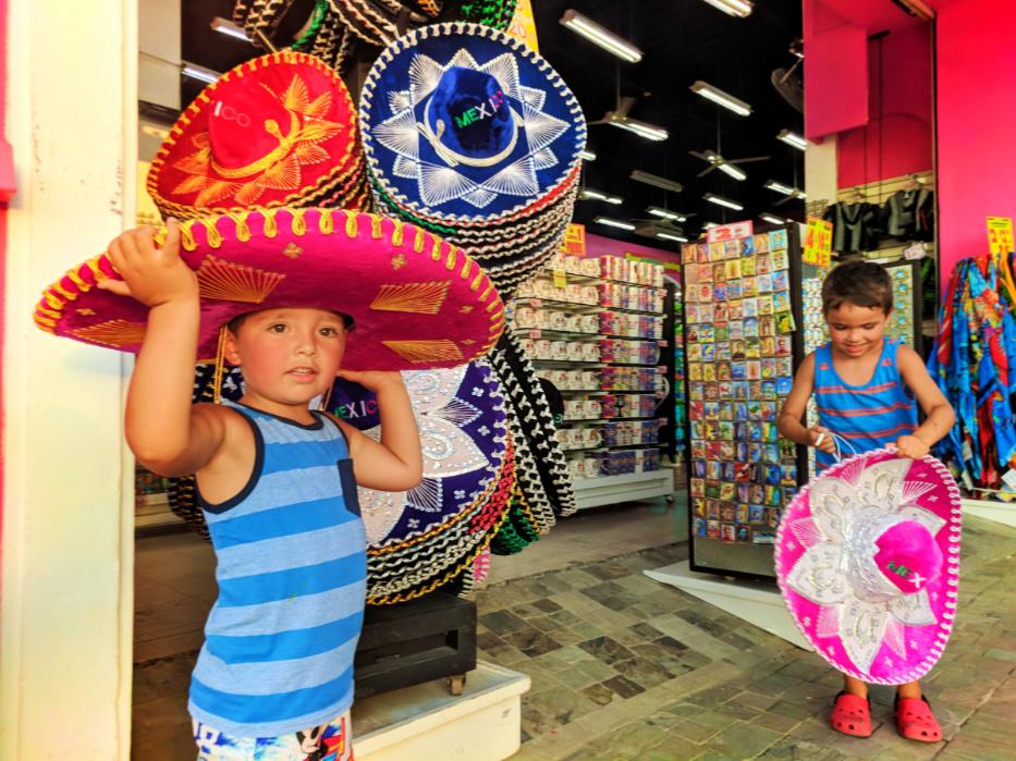 Taylor Family shopping for souvenirs in Marina Cabo San Lucas 2
