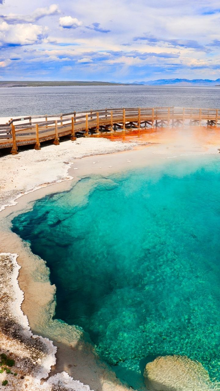Black Pool West Thumb Geysers, 2 Days in Yellowstone Itinerary