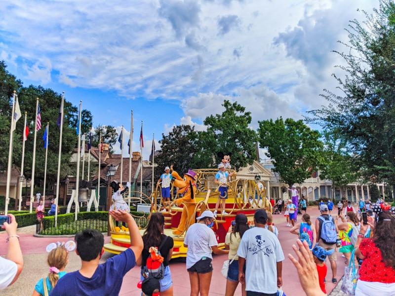 Character Parade in Magic Kingdom Disney World during COVID 2020 1