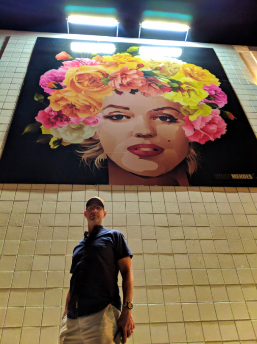 Chris Taylor with Marylin Monroe street art in Palm Springs California 1