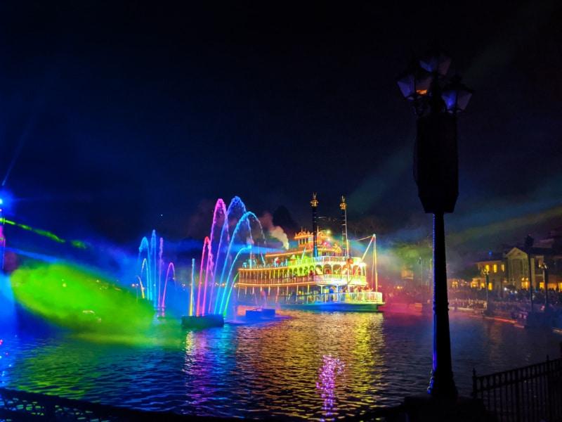 Fantasmic Show Disneyland 2020 8