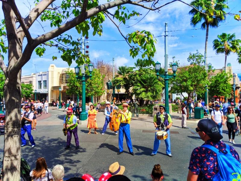 Five & Dime Street actors in Carthay Circle Disney's California Adventure 2020 1