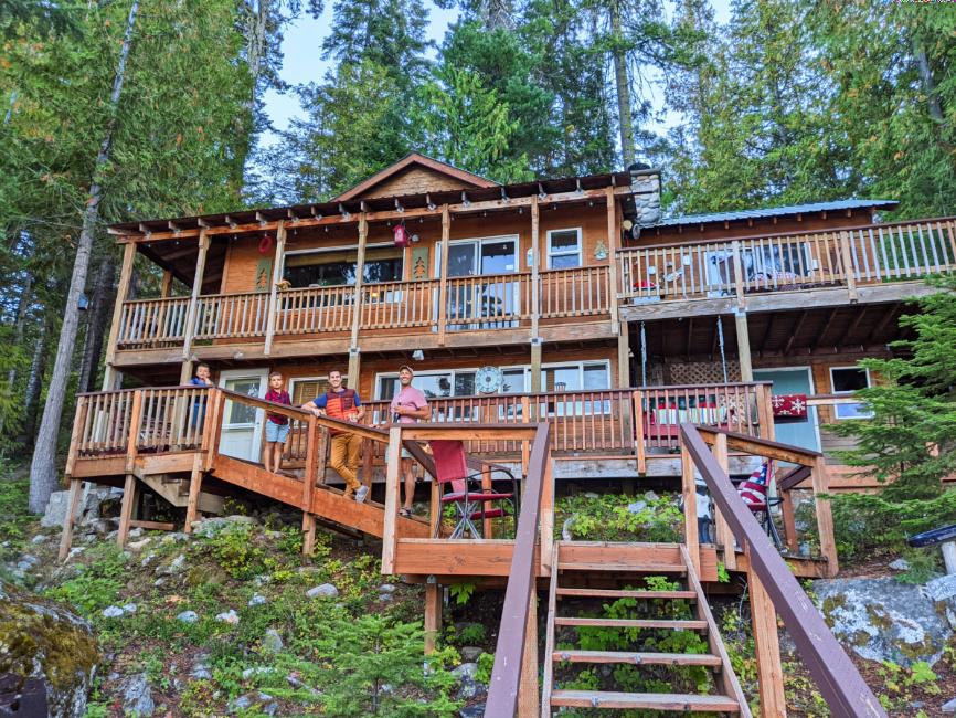 Full Taylor Family at Lake Wenatchee Vacation Rental Leavenworth Washington 2