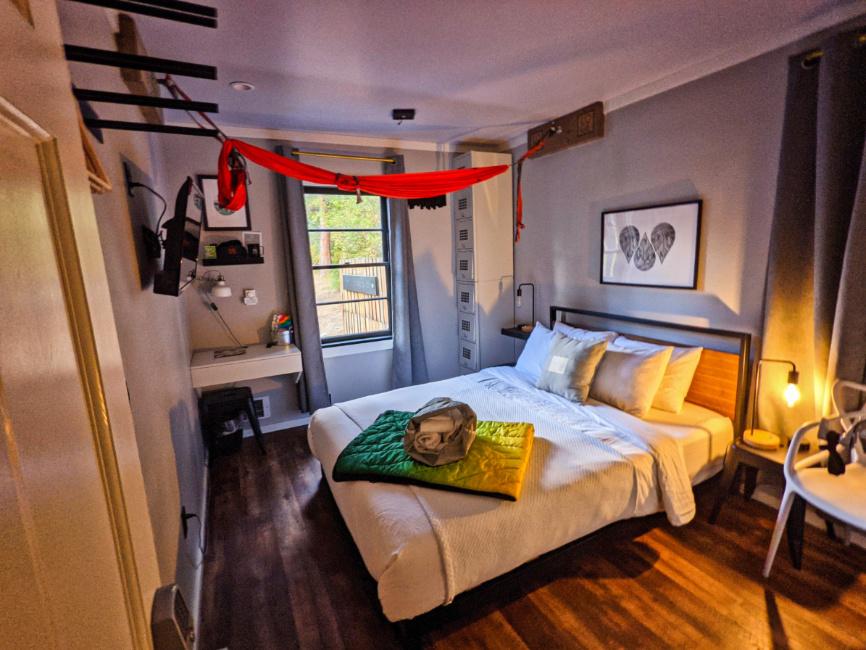 Interior-of-Hostel-Cabin-at-Riverside-LOGE-Camps-Leavenworth-Washington-2.jpg