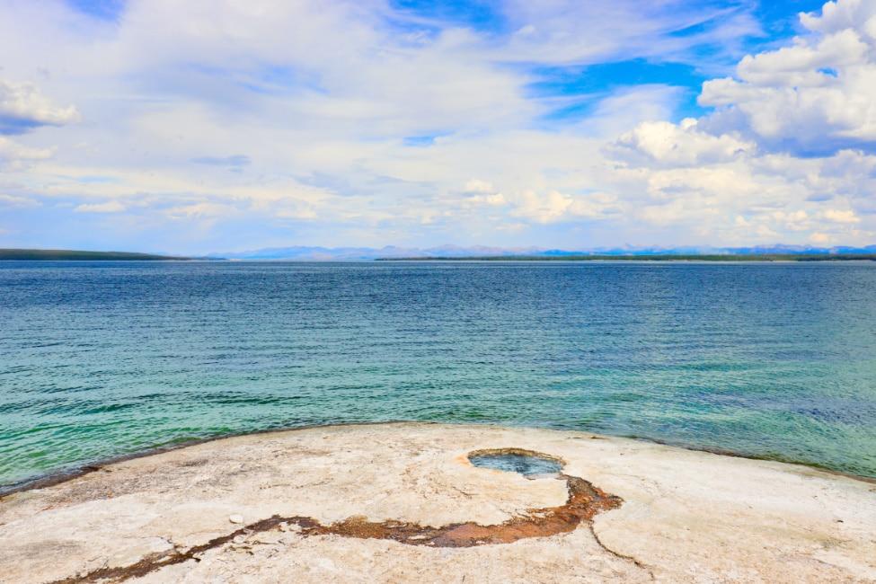 Lakeside-Geyser-at-West-Thumb-Geyser-Basin-Lake-Yellowstone-National-Park-Wyoming-1.jpg