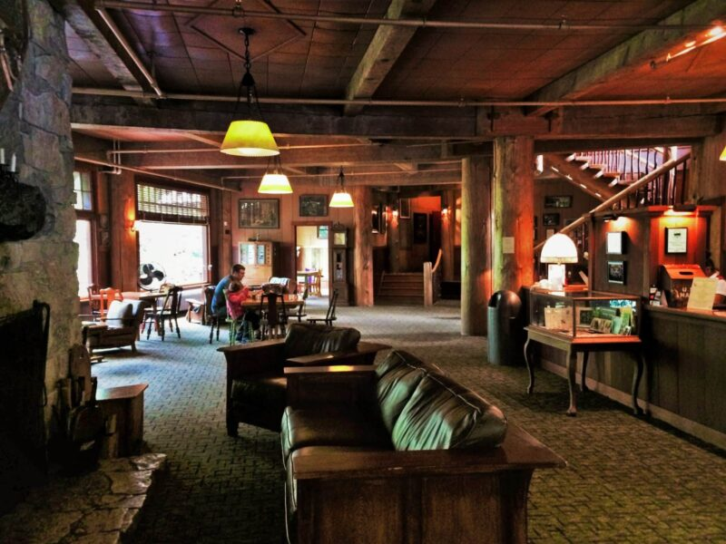 Lobby Oregon Caves Chateau National Park Lodge 4