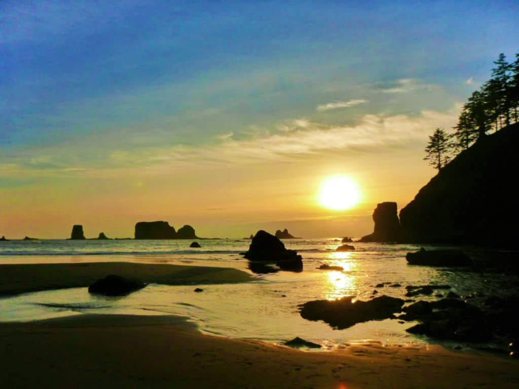 Olympic National Park - Sunset on Second Beach - Ordinary Adventures 1