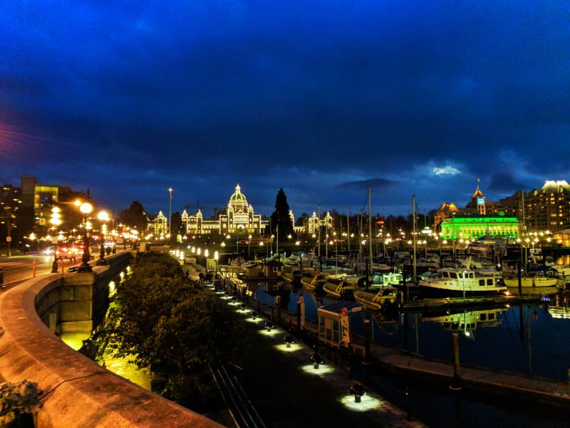 Parliament-Building-at-Night-Inner-Harbour-Victoria-BC-4.jpg