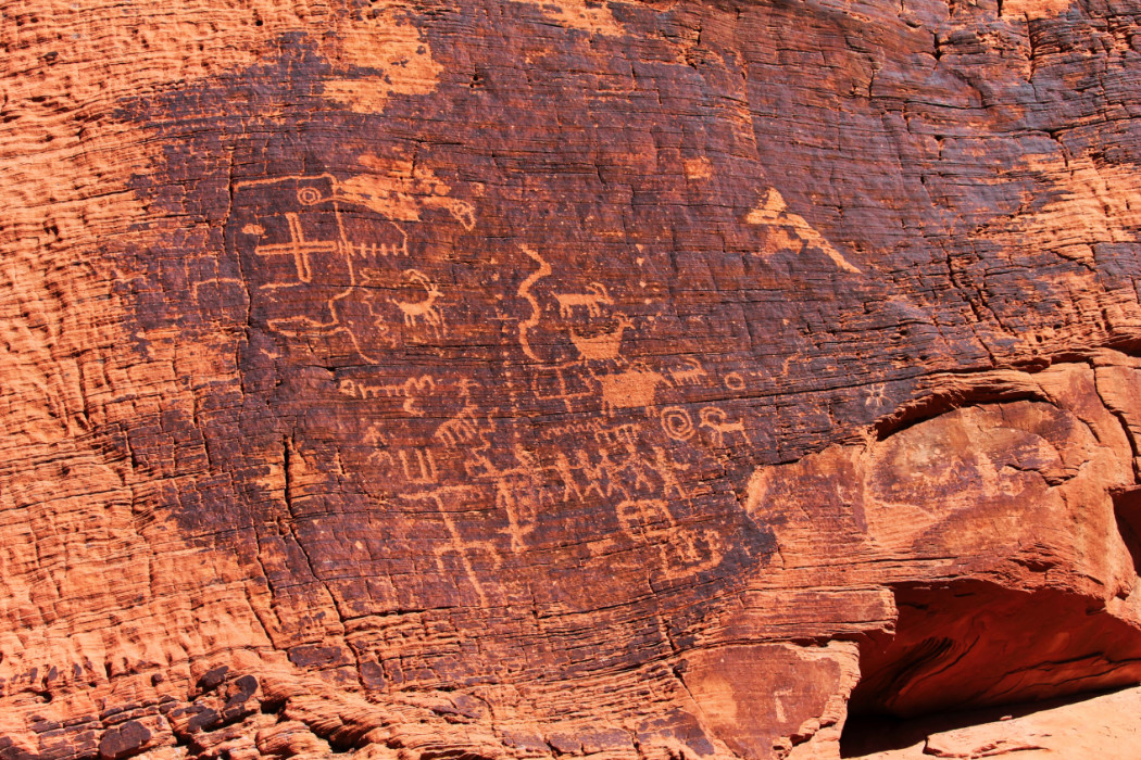 Petroglyphs on sandstone Mouse Tank trail at Valley of Fire State Park Las Vegas Nevada 11