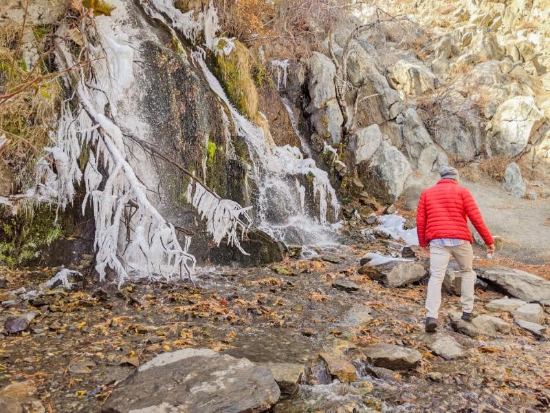 Rob-Taylor-hiking-at-frozen-waterfall-Kings-Canyon-Park-Carson-City-Nevada-2020-1.jpg