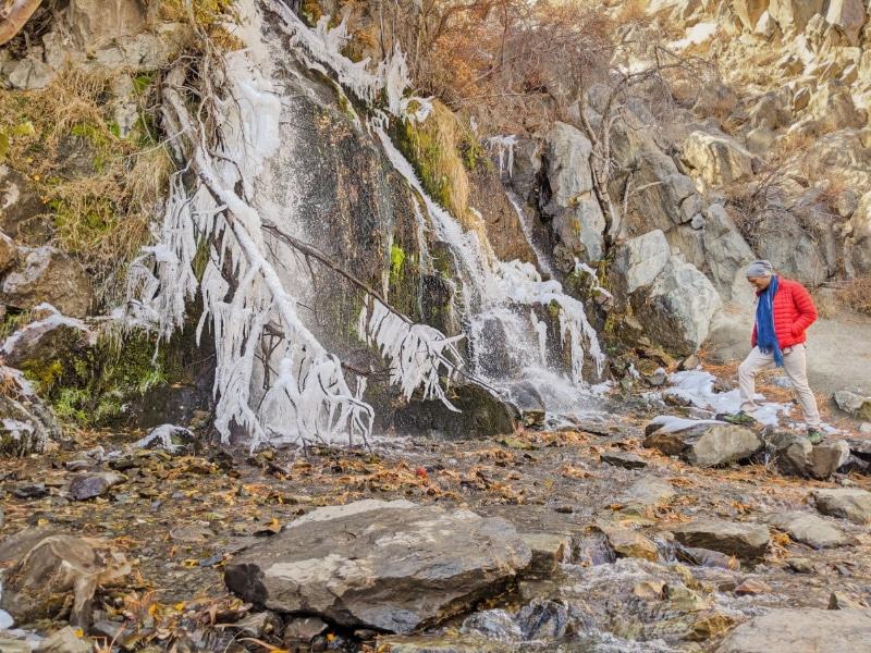Rob Taylor hiking at frozen waterfall Kings Canyon Park Carson City Nevada 2020 3