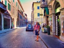 Rob-Taylor-walking-around-Pisa-Italy-2-225x169.jpg