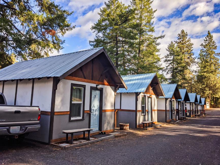 Row of Cabins at LOGE Camps Riverside Leavenworth Washington 1
