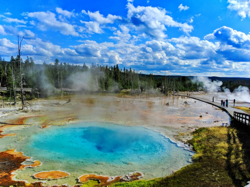 Silex Hot Spring at Fountain Paint Pots Geysers Yellowstone NP 3