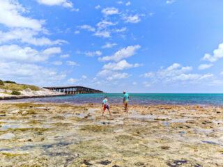 Taylor-Family-at-Bahia-Honda-Bridge-Tidepools-Florida-Keys-2021-1-320x240.jpg
