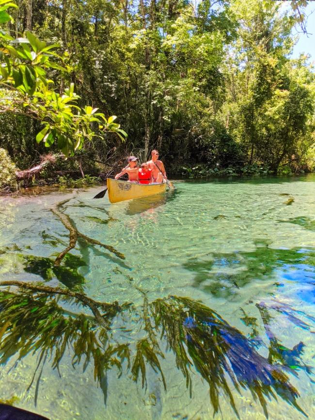 Taylor-Family-canoeing-at-Rock-Springs-Run-Wekiwa-River-Apopka-Florida-2020-14