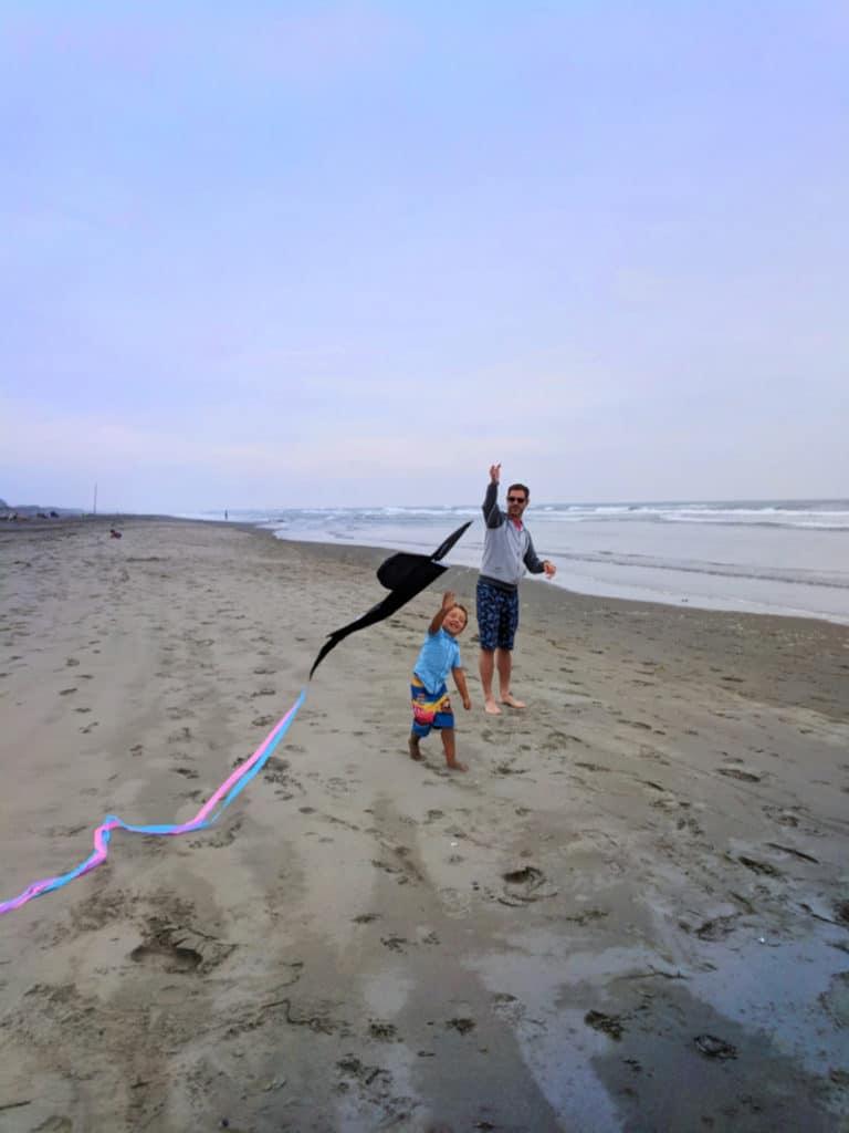Taylor Family flying kites at Long Beach Washington Coast 3