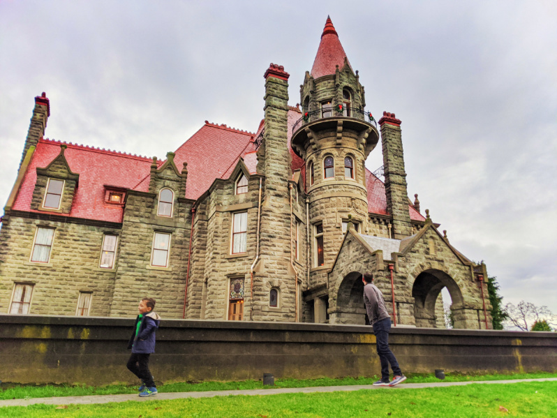 Taylor Family outside Craigdarroch Castle Victoria BC 2