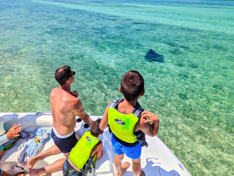 Taylor Family with Eagle Ray with Island to Island Charters Backwaters of Key West Florida Keys 2021 1