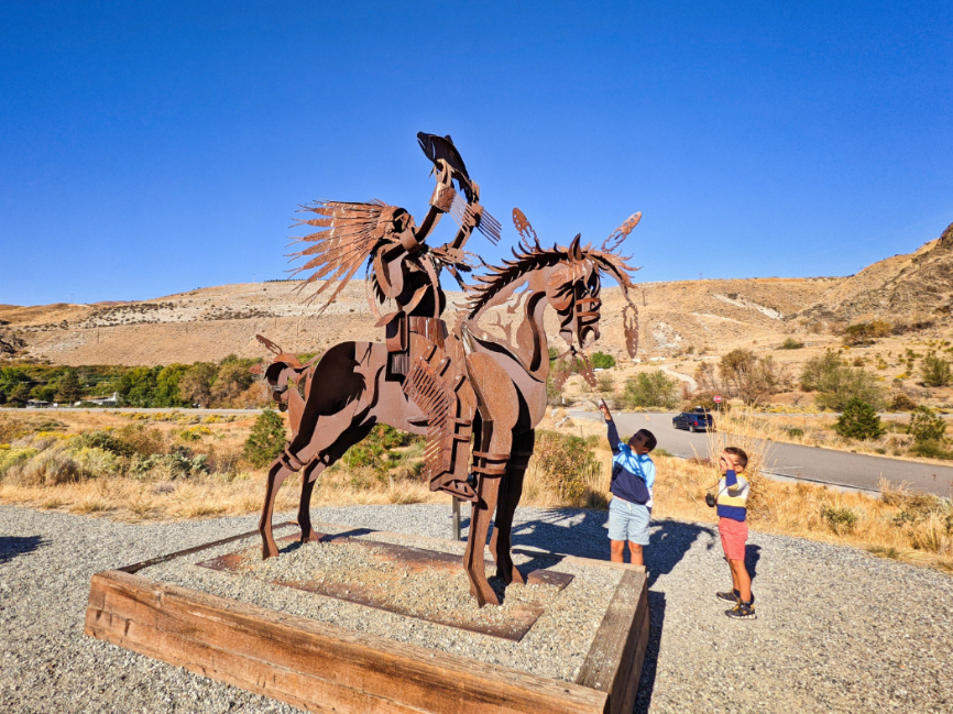 Taylor Family with Sculpture THE CHEIF by Smoker Marchand at Beebe Springs Natural Area Lake Chelan Washington 1