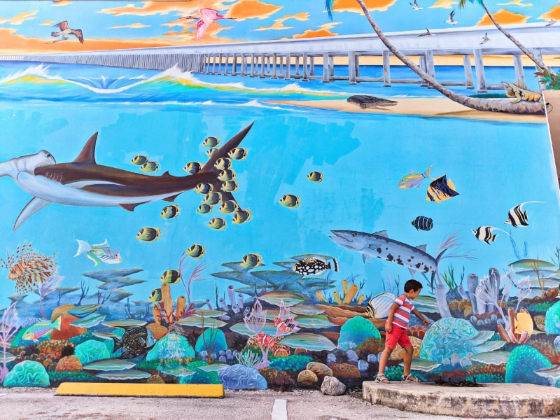 Taylor Family with Undersea Mural Artist Yoslan O'farrill Marathon Key Florida Keys 2020 1
