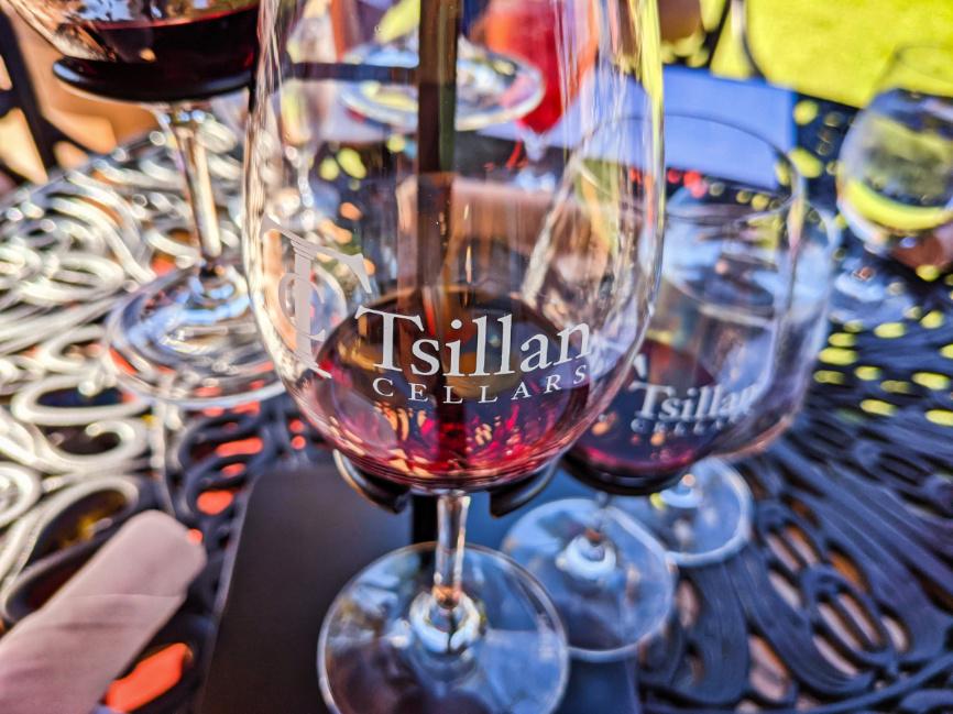Wine Tasting Flight at Tsillan Cellars Lake Chelan Washington 2