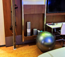 Workout-equipment-in-EVEN-Hotels-Times-Square-South-New-York-City-2-e1549242042147-225x197.jpg